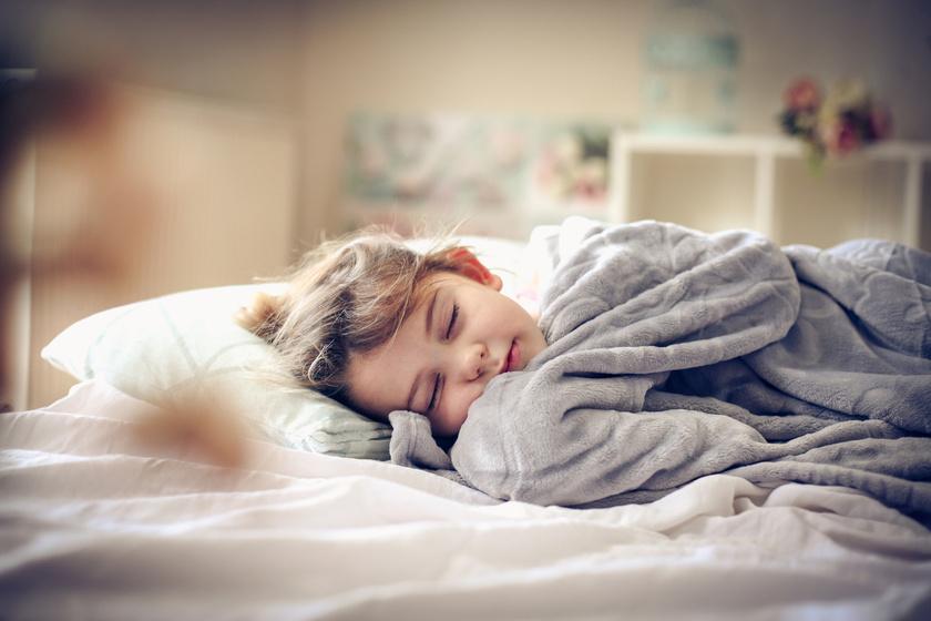 Mennyi alvás kell egy óvodás korú gyereknek? Előbb-utóbb bajt okoz, ha ez nincs meg