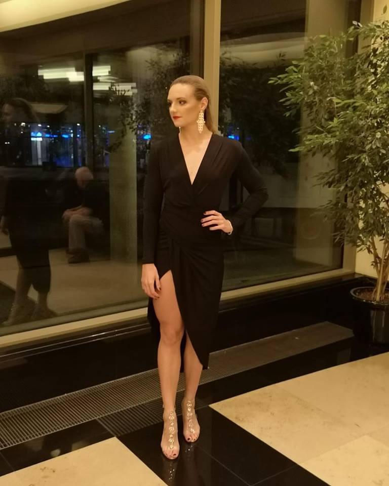 Hosszú Katinka az M4 Sport - Az Év Sportolója Gála egyik jelöltjeként szexi estélyiben ment a díjátadóra - így ritkán látni.