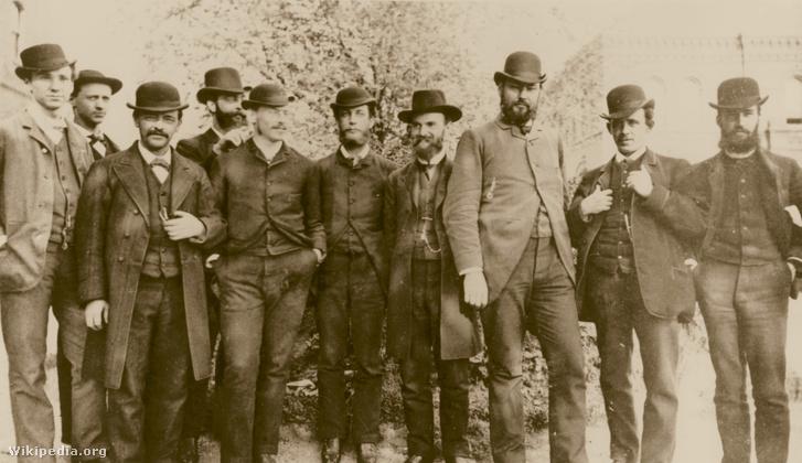 Harvey Wiley,a mezőgazdasági minisztérium fővegyésze (a jobb oldali harmadik) munkatársaival