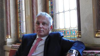 A bíróság a Csongrád megyei közgyűlésből kirakott jobbikosnak adott igazat