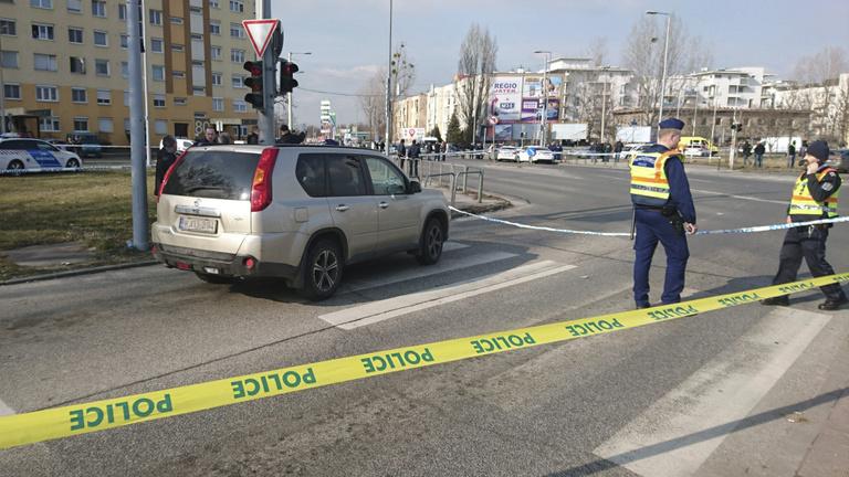 Megsérült a biztonsági felügyelő, akinek a fegyverét a szökött rab megszerezte