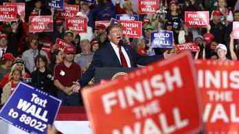 Trump mindent feltett a falra, de lehet, hogy a fal adja a másikat