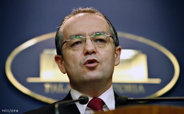 Emil Boc 2012. február 6-án, kormánya reggeli ülésén bejelentette kabinetje lemondását.