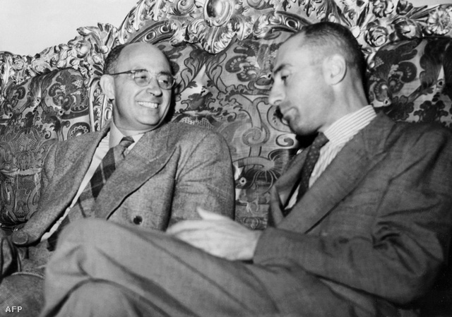 Enrico Fermi és Robert Oppenheimer