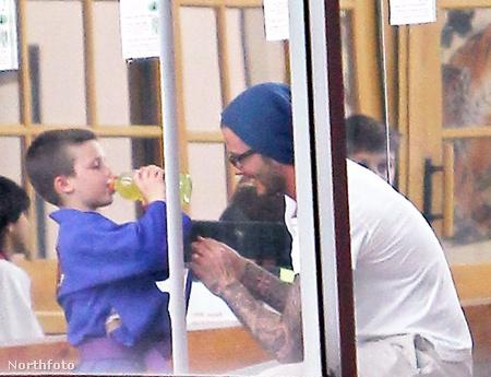 David Beckham rendszeresen elkíséri Cruzt
