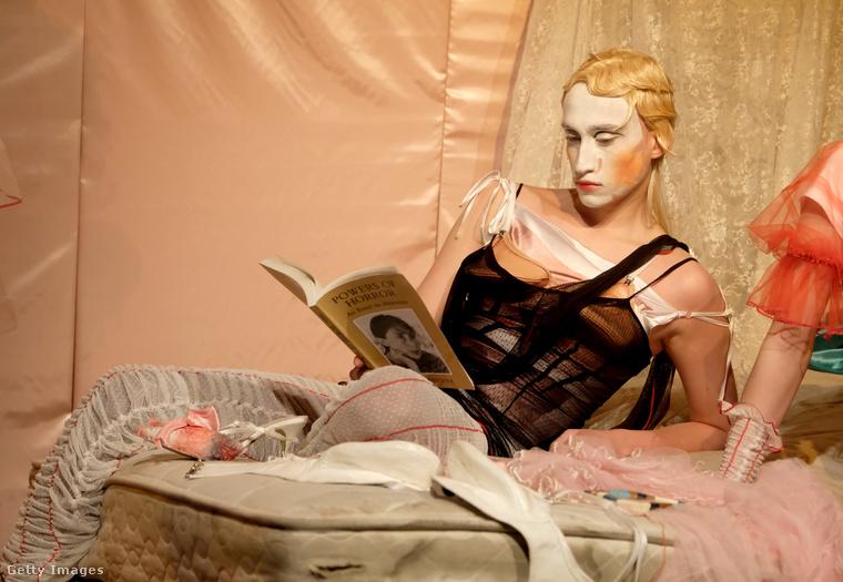 Kis-Juhász Fábián tavaly azért került be a hírekbe, mert fiatal magyar tervező létére egy kreációját Christina Aguilera viselte.