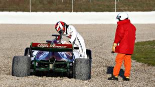 Vettel és a Ferrari tökéletes, Räikkönen bekeretezte a napot