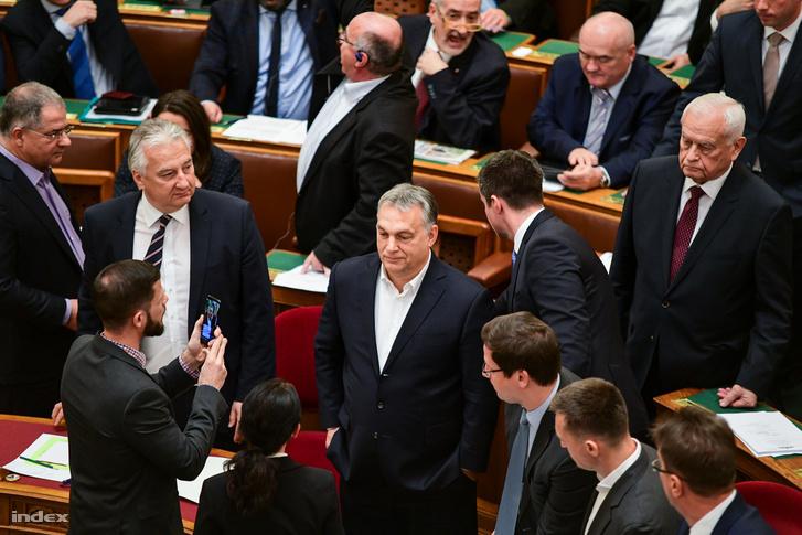Orbán Viktor a parlament 2018 decemberében