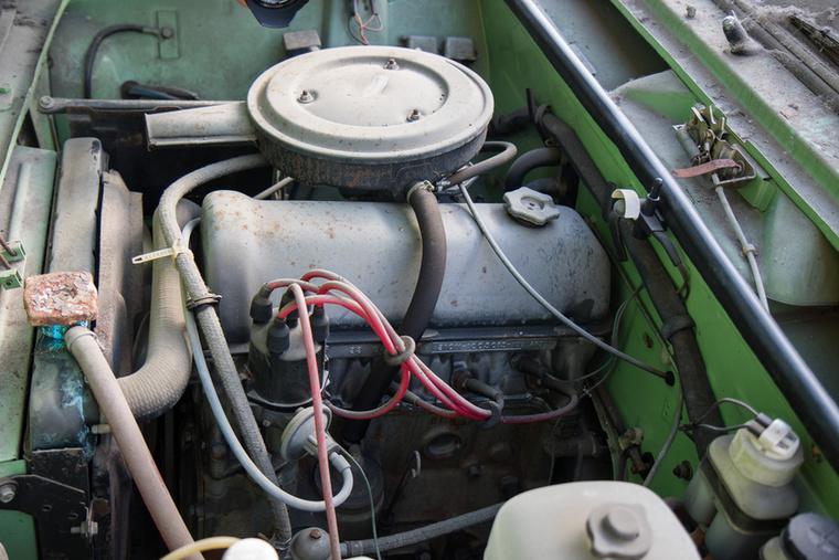 A motortér gyári