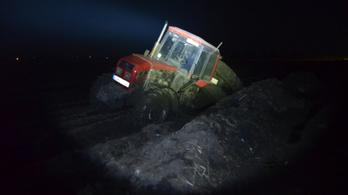 Traktor kereke alá szorult egy férfi