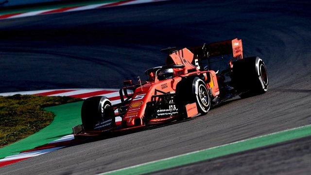 Vettelé és a Ferrarié az első előszezoni F1-tesztnap
