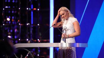 A búcsúzó Lindsey Vonn megkapta élete legfurcsább díját