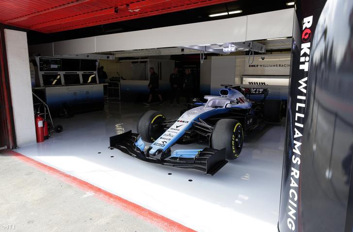 A magányos Williams FW42 Barcelonában