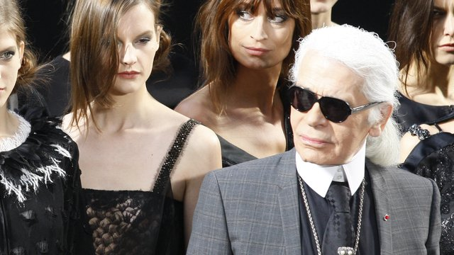 Elhunyt Karl Lagerfeld