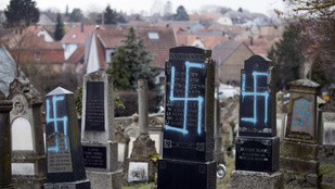 Meggyaláztak egy zsidó temetőt Franciaországban