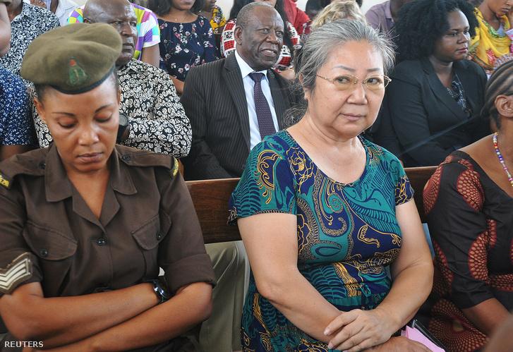"""Jang Fen-lan, az """"elefántcsont-királynő"""" Dar es Salaamban a bíróságon"""