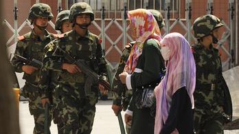 Kína iPhone-hekkeléssel (is) támadja az ujgurokat