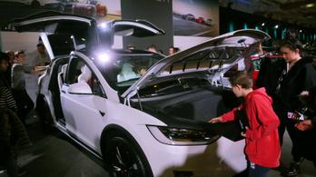 Tesla-kereskedés nyílik Budapesten