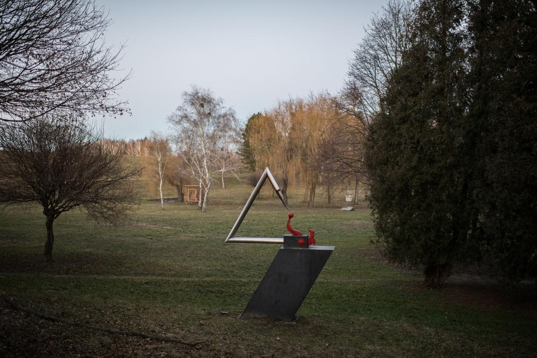 Ganz Ábrahám emlékére. Budahelyi Tibor szobra a Gébárti-tó partján, Zalaegerszegen