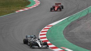 Hamilton: A Ferrari nagyon nagyon erős