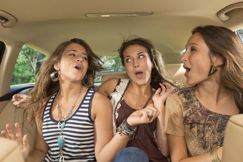 Büntethet a rendőr, ha túl hangos a zene a kocsiban? Ha szabályt szeg a vezető miatta, akkor igen