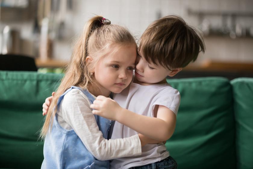 Hogyan neveljünk olyan gyereket, aki törődik másokkal? Az empátia tanítása