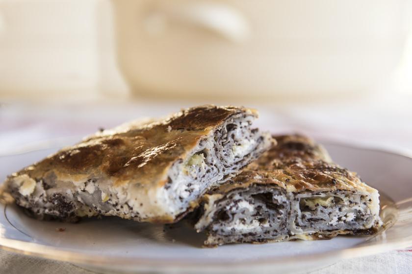 A klasszikus vasi tökös-mákos rétes receptje: így nyújtsd a tésztát, hogy tökéletes legyen