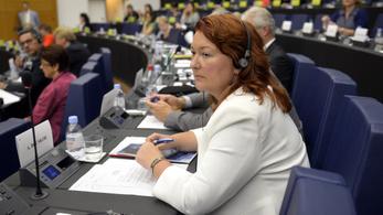 A magyar média 69 százaléka kormánykritikus – mondta a Fidesz Brüsszelben
