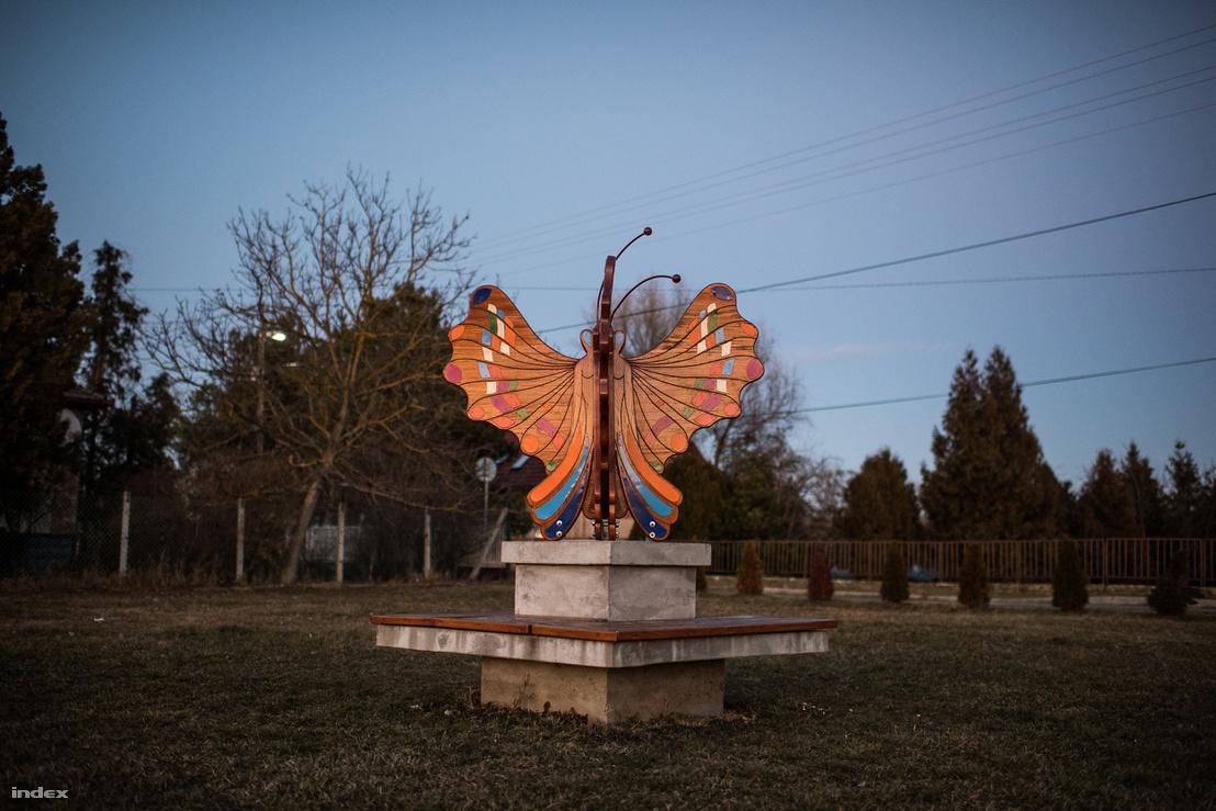 A Pillangó minden irányból pillangó