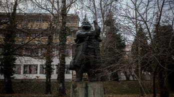 Zalaegerszegen áll még a Marx-szobor