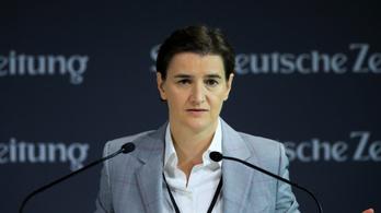 Gyermeke született a leszbikus szerb miniszterelnöknek és élettársának