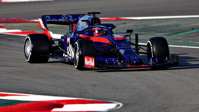 Váratlan éllovas Barcelonában: Kvyaté a harmadik F1-tesztnap