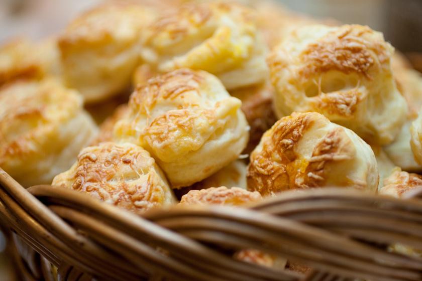 Hajtogatott, dupla sajtos pogácsa: szép magas lesz