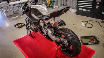 Csak távolról hasonlítanak egymásra a Ducati Panigale V4 RS19-ek