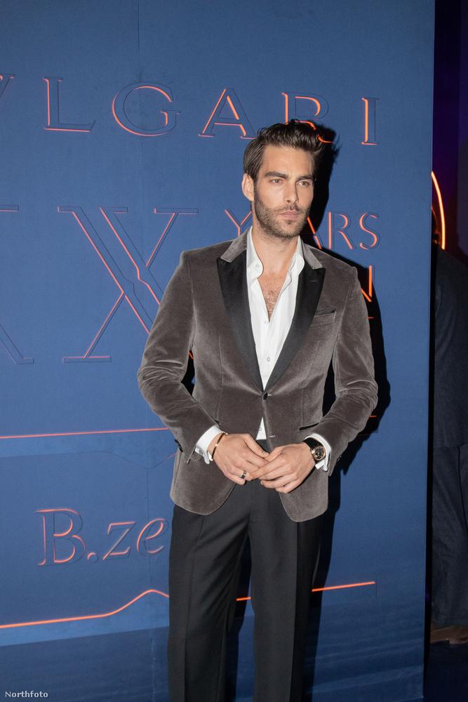 Az egyik leghíresebb férfimodell is jelen volt, ő a baszk származású Jon Kortajarena.