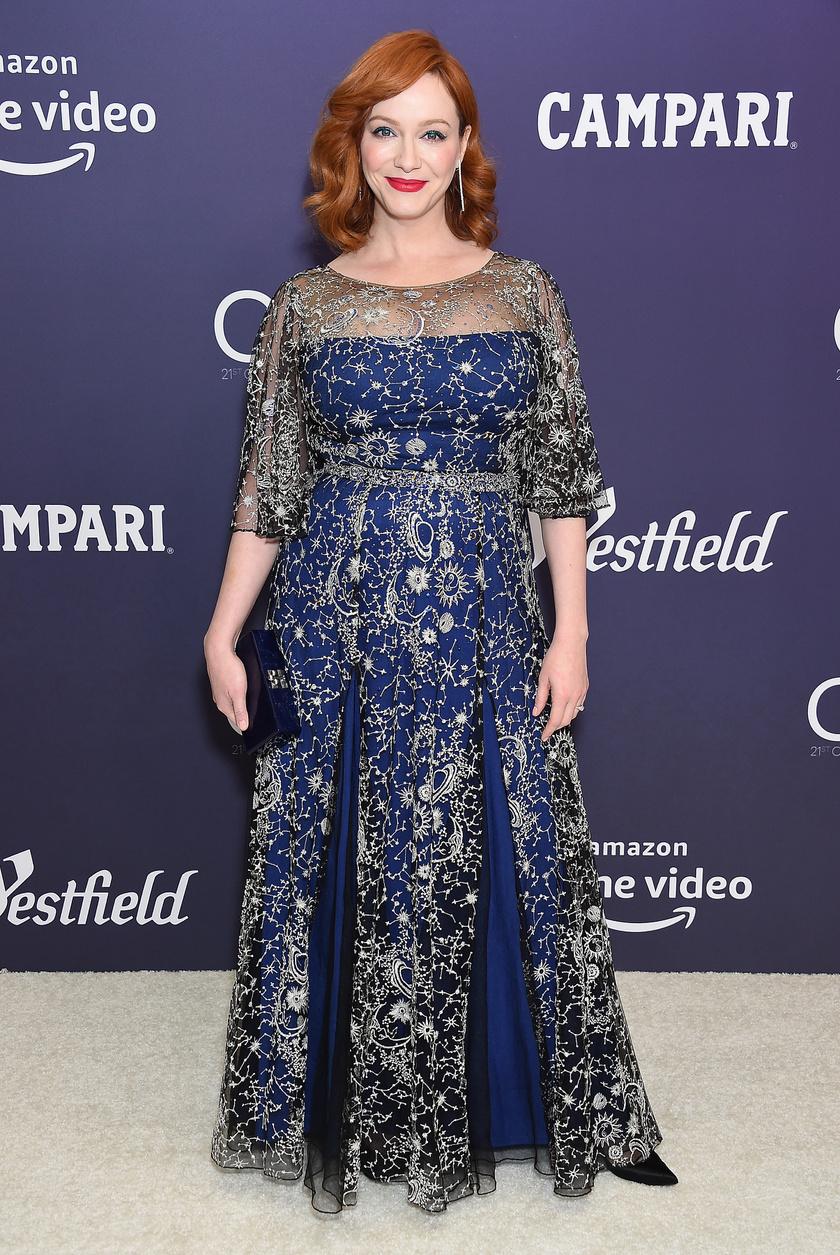 Christina Hendricks színésznő elárulta egyszer, hogy mindig küzd azzal, hogy ruhát szerezzen, mivel rengeteg dizájner közölte már vele, hogy csak XS-es vagy S-es méretű darabjaik vannak.