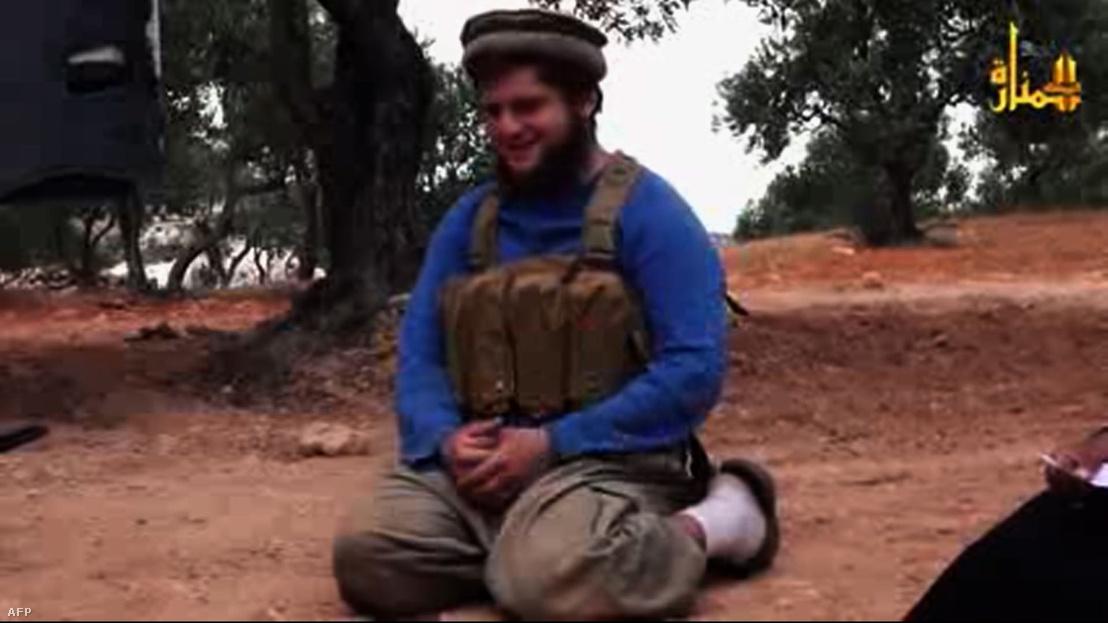 Abu Hurayra al-Amrikiról készült kép 2014. július 25-én. Abu az elsőként számon tartott amerikai, aki öngyilkos merényletet követett el Szíriában