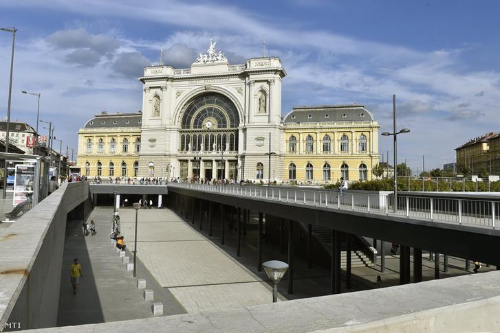 A Keleti pályaudvar és a Baross tér