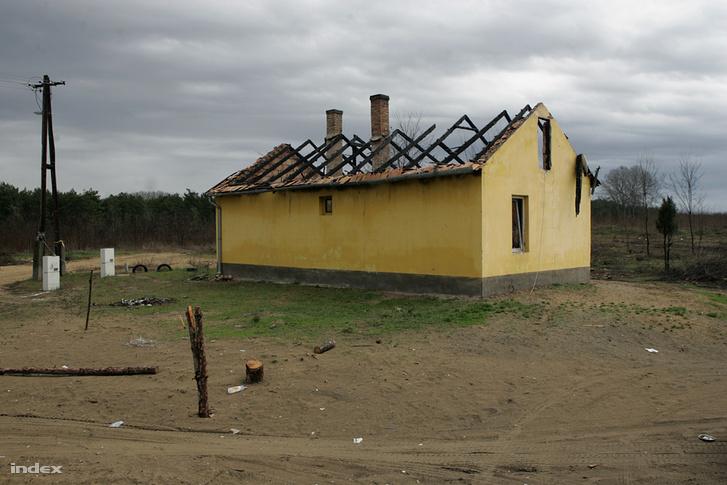 A kiégett, elhagyott ház Tatárszentgyörgyön