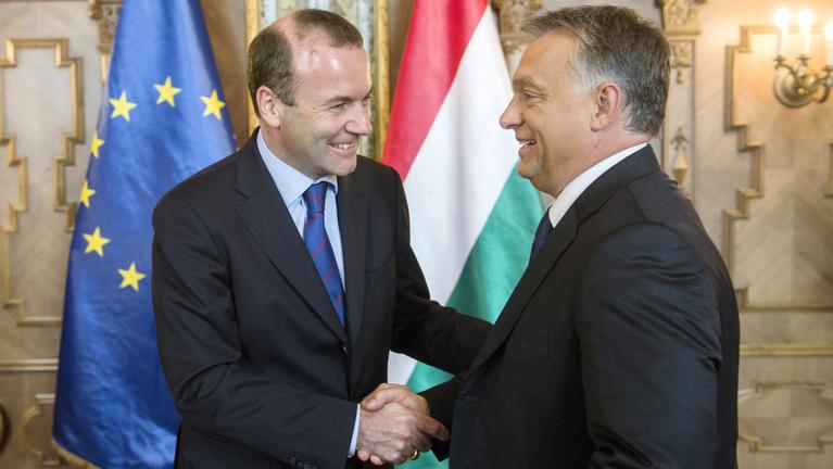 Orbán nyeri a néppárti szájkaratékat