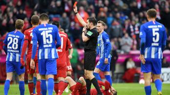 Les miatt elvett gól, kiállítás: Dárdaiék kikaptak a Bayerntől