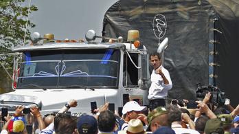 Az elnök támogatói gyújthatták fel az egyik venezuelai segélyszállítmányt