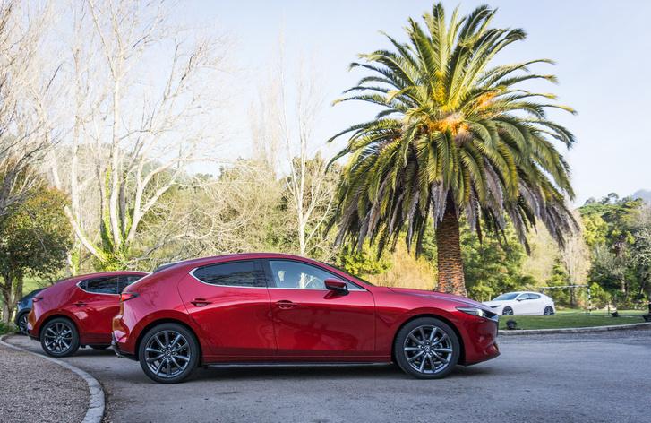 Ez a 3-as egy új platform hajnala is egyben,  a jövőre érkező teljesen elektromos Mazda is erre épül