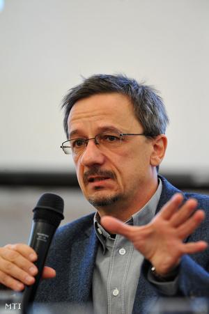 Rainer M. János történész