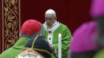 Ferenc pápa eltörölné a Föld színéről a papok szexuális visszaéléseit a gyerekek ellen