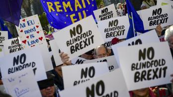Az EU 2021-ig halaszthatja a brexitet