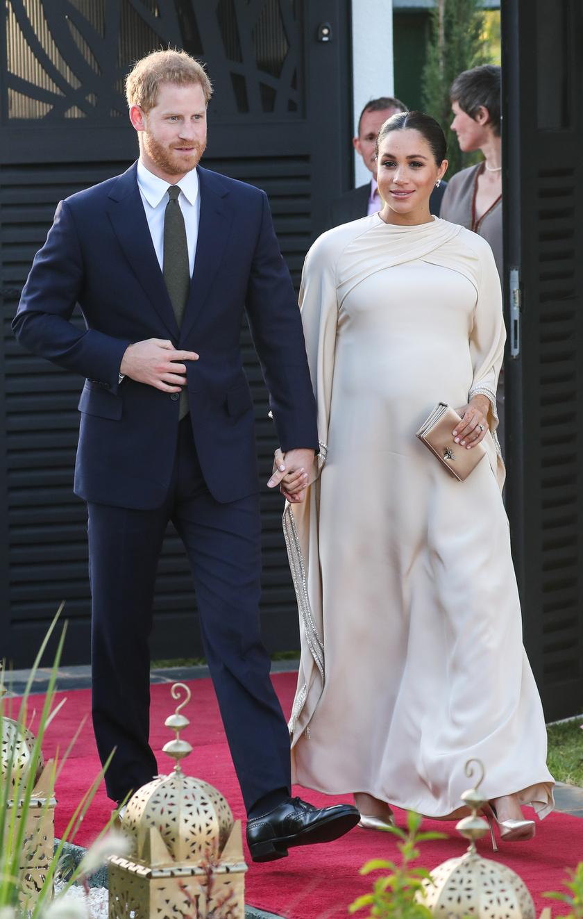 Meghan hercegné egy egyedi tervezésű Dior estélyit húzott a marokkói brit nagykövet fogadására.