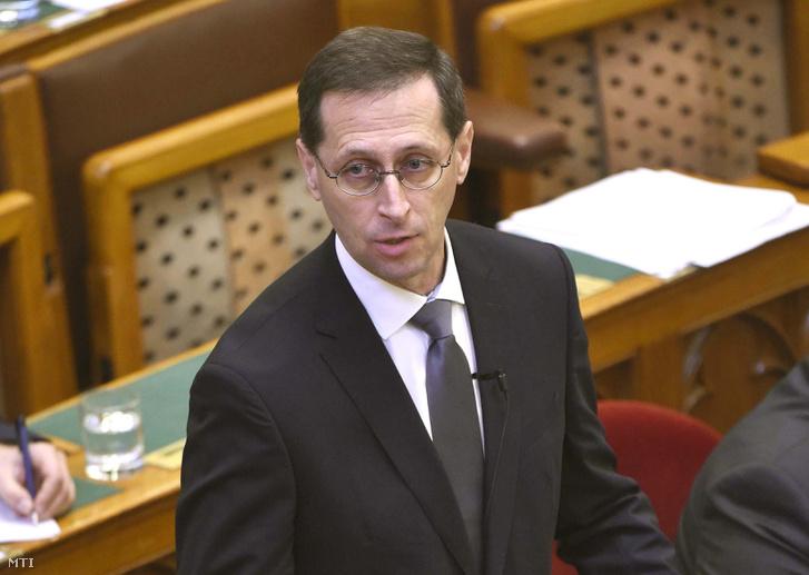 Varga Mihály pénzügyminiszter napirend előtt szólal fel az Országgyűlés plenáris ülésén 2019. február 25-én.