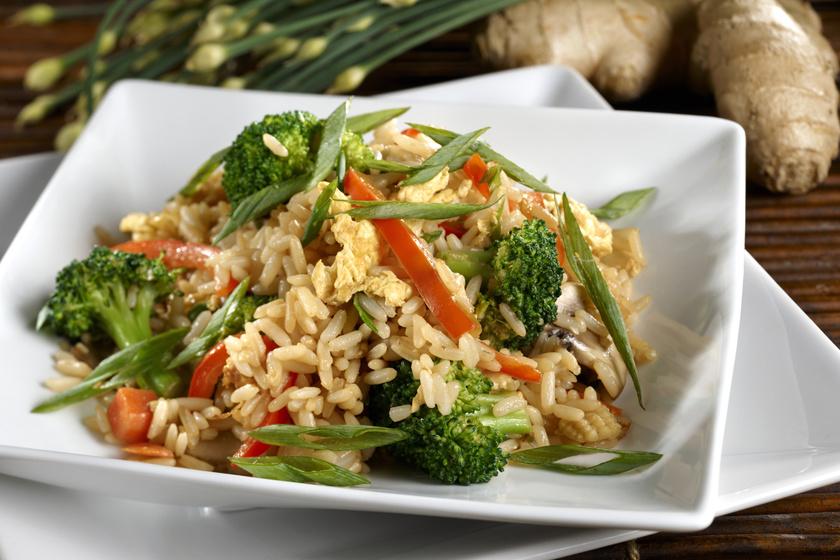 Karcsúsító zöldséges rizs sok brokkolival: ettől nem fogsz meghízni