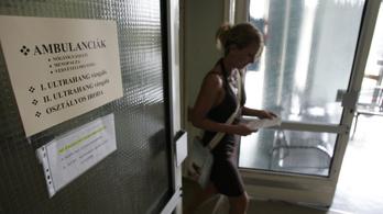 A magyarok fele büntetné a hálapénzt elfogadó orvosokat